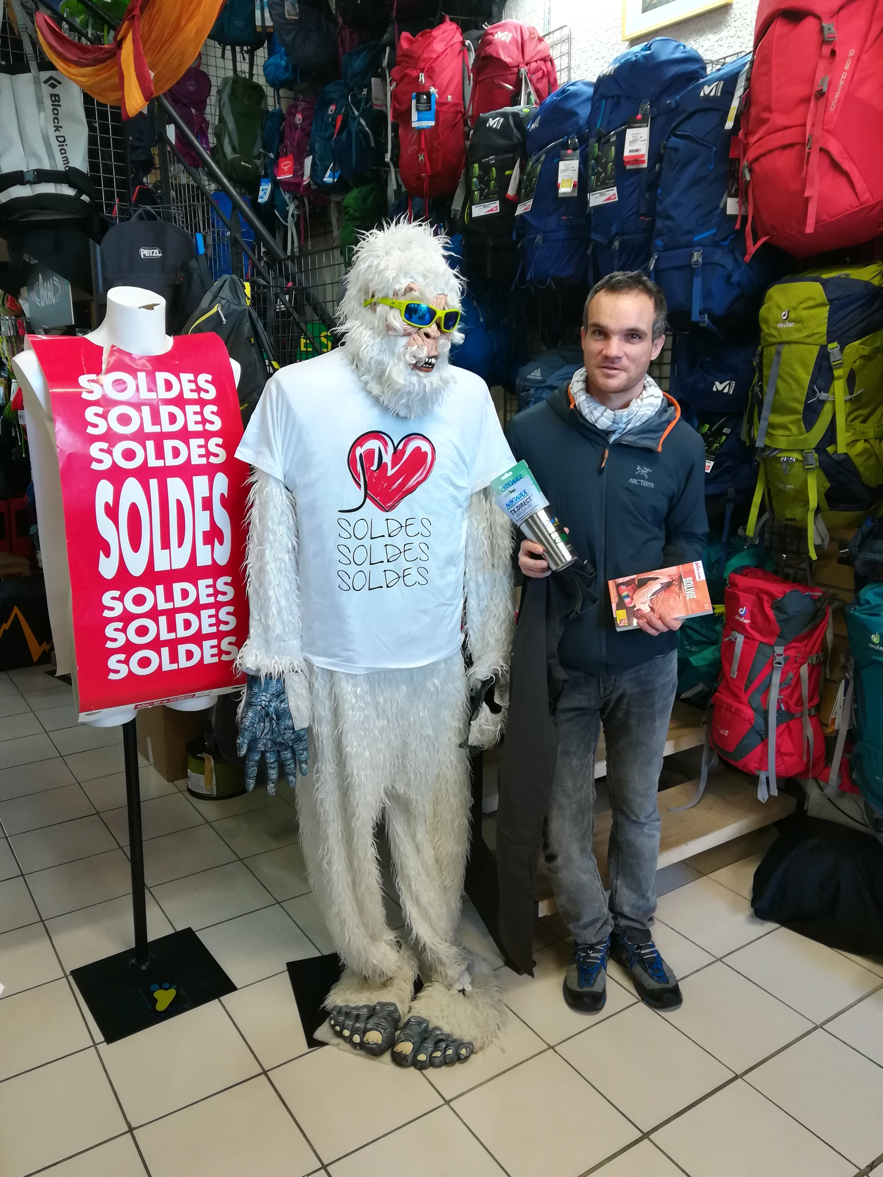 Pierre BARBY remportant un pantalon Trangoworld