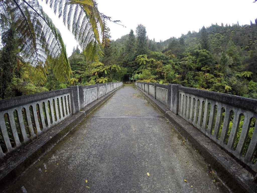 Bridge to Nowhere en Nouvelle-Zélande durant la traversée de Whanganui Journey