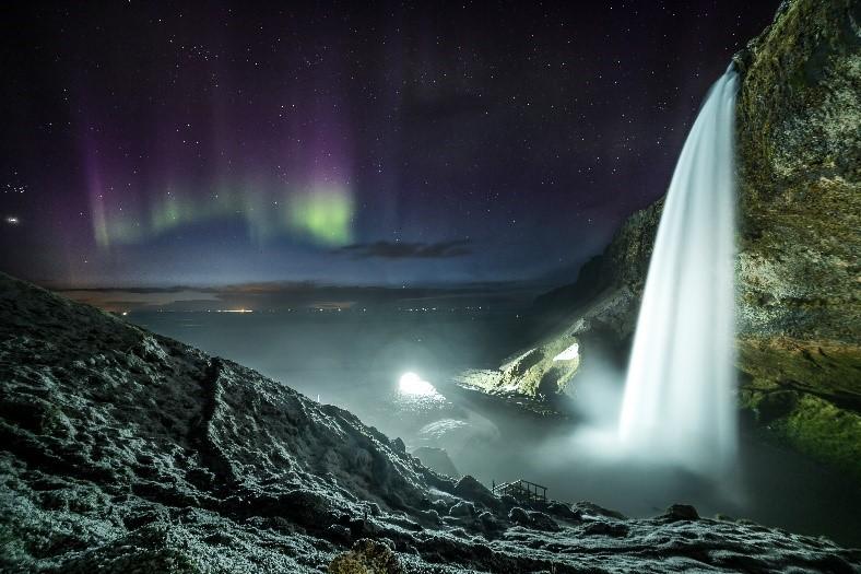 La cascade de Seljalandsfoss